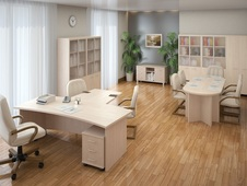 Мебель для рабочего места в Казани: офисные столы, стулья, шкафы для персонала